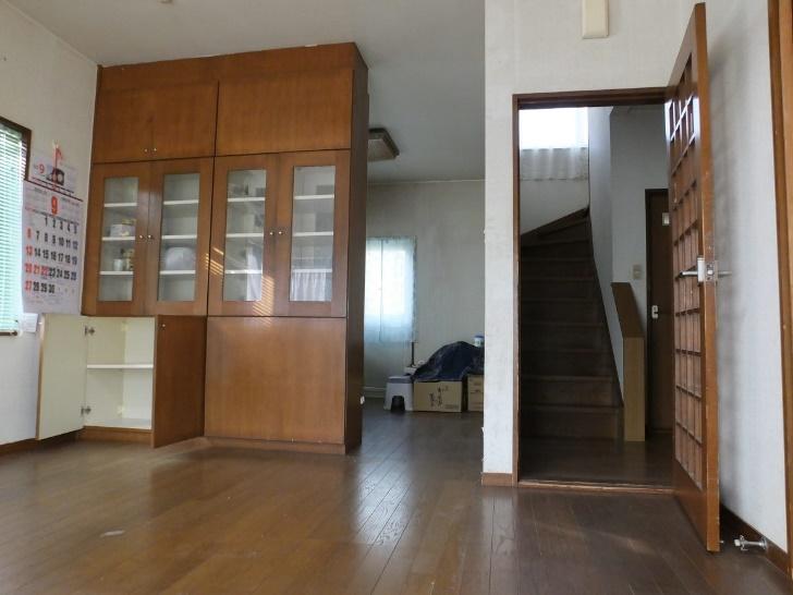 1F居間・2F階段
