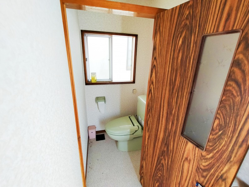 8. トイレ