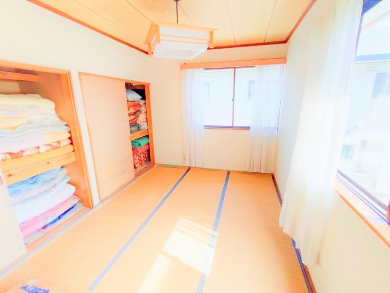 12. 2階和室(南側 6帖)