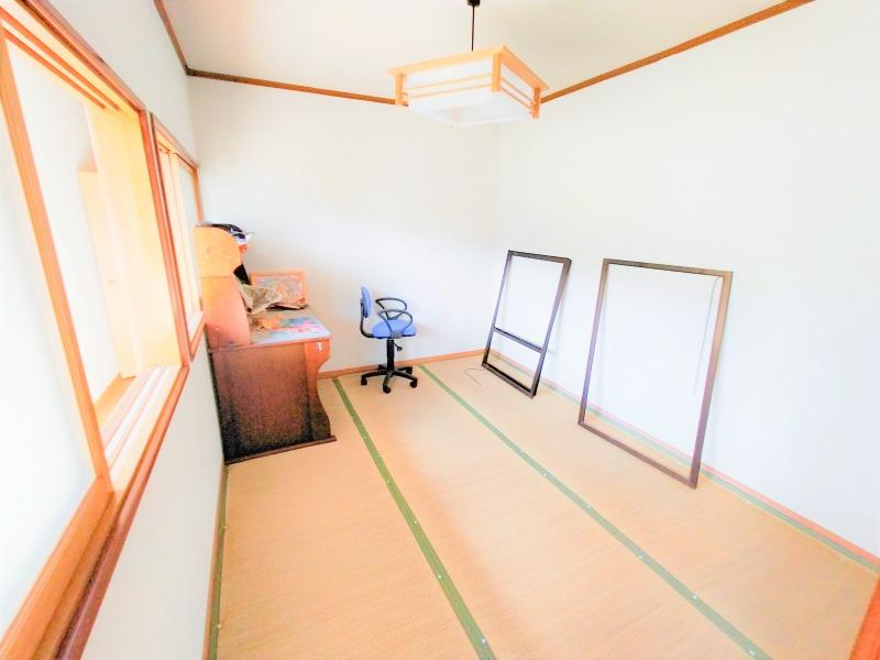 13. 2階洋室(南側 8帖)